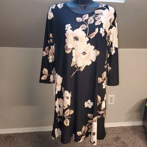 *NWOT* Plus Size* Soft Stretch Floral Dress